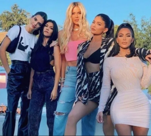 """""""I need a break and I would prefer not to film any longer"""" Kourtney Kardashian takes steps to leave KUWTK and includes that she's upset"""