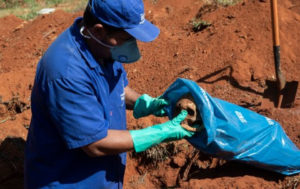 Bodies are exhumed in Brazil to make way for more dead bodies as the country's Coronavirus death toll surpasses that of the UK making it the second highest in the world (photos)